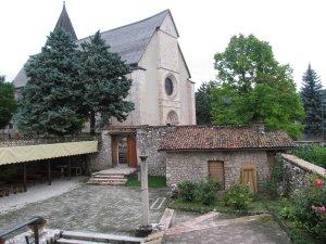 Casa santi martiri for Case di legno del paese del lago